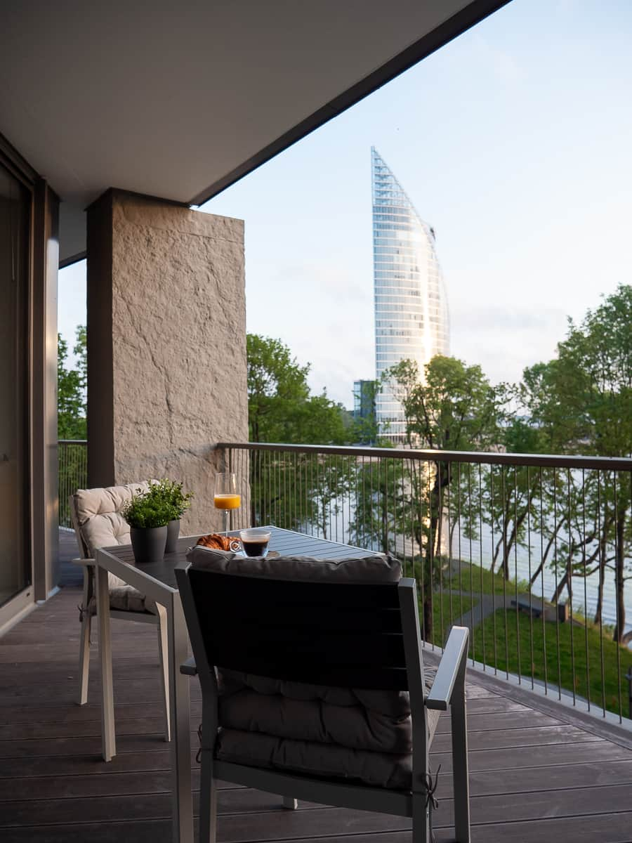 The-Klive-Riga-Mastersuite-terrase-with-view