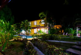 Villa Nasua at night