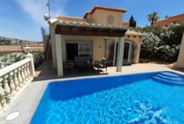 House with private pool near Moraira