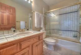 2nd Master bathroom en suite Shower + Tub