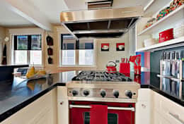 Designer kitchen with Viking appliances