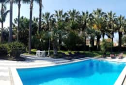 villa dama pool