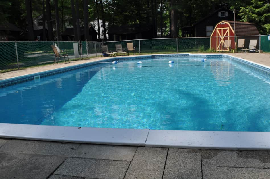 Lake George Cabins, Cottages, Vacation Rentals - Pine Grove