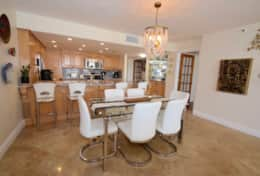 Dining area seating for 6, seating for 4 at kitchen counter, Fully equipped kitchen