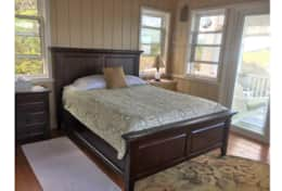 Mahogany Queen bed with heavenly bed pillow top