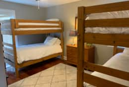 Bunk Room - 4 Single Bunk Beds