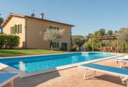 Colle Arponi, private villa with pool for 9 guests, Umbria