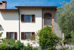 Casa Lago Trasimeno, side view