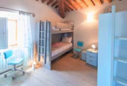 Villa Silvignano, bedroom with two bunkbeds first floor