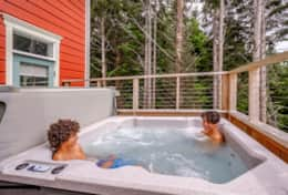 Enjoy a soak with the quiet of the forest and ocean breeze.