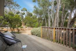 Coonawarra Relaxing Front Deck - Good House Holiday Rentals