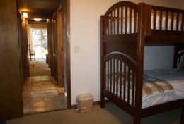 Kids Room - 4 twin beds (2 bunks) and 1 futon