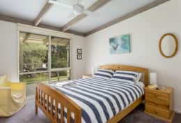 Harry's Retreat Blairgowrie - Queen Bedroom 2 - Good House Holiday Rentals