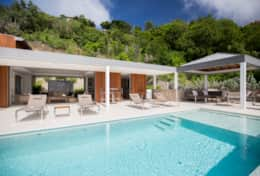 stbarth-villa-lao-outdoor-living-area-infinity-pool