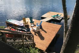 More than 800 sq ft of lounging space on the dock