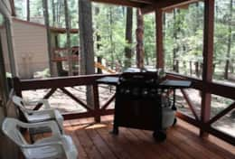 cabin 9  covered porch with gas grill
