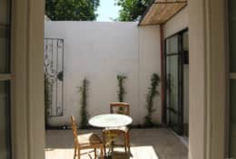 Calma Guest House - small entrance courtyard - Muro Leccese - Salento