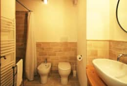 Mangiatoia bathroom