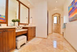 Guest bedrooms' shared full bathroom