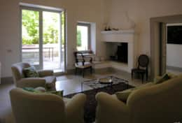Palazzotto -living room with french door which opens onto the garden- Lucugnano di Tricase - Salento