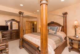Master Suite, Main Level