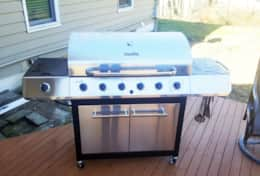 Grill with 6 burners purchased new in 2017 (propane included).