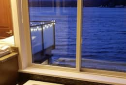 Luxury-Hood-Canal-Vacation-Rental-hood-canal-resort-bath-tub-view-beach-rental-alderbrook