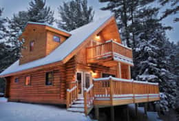 Wilmington Range Chalet is a 2 bedroom log home in Wilmington, NY