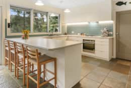 Beautiful gourmet kitchen - The River House Gipsy Point - Good House Holiday Rentals