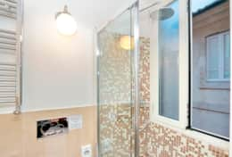 19-campo-de-fiori-2-double-ensuite-bathroom-2