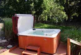 5 person hot tub with easy-up cover.  Cleaned and serviced between each guest.