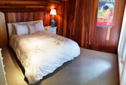 Vacation-Rental-hood-canal-resort-bedroom-walls-of-glass-beach-rental-alderbrook