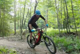 We offer ebike rental to enjoy mountain bike in Parc Orford, located only 2.5 km from the chalet