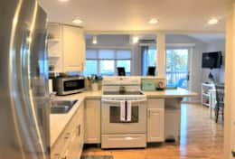 Cottage kitchen2