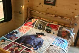 Smoky Best - Music Row,  King size bed