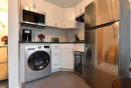 Complete kitchen- washer/dryer included