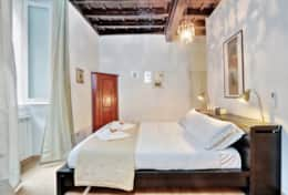 11-altemps-double-bed