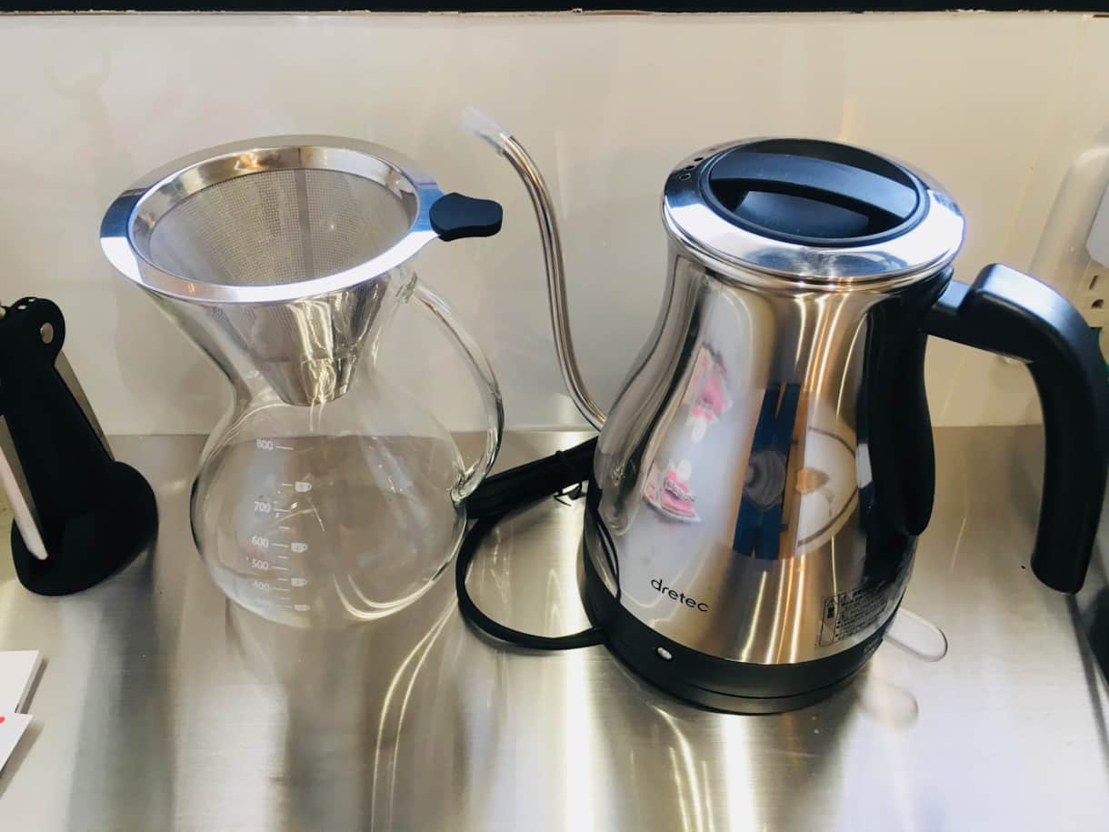 Hand-drip coffee and water heater