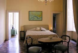 Palazzo Settecento - double bedroom with private bathroom connected to the single room - Lecce
