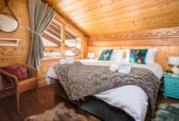 #12 chalet ananas bedroom2_double