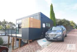 Perfectly appointed tiny house - single car park