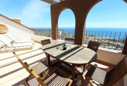 Holiday rental apartment in Moraira with sea views
