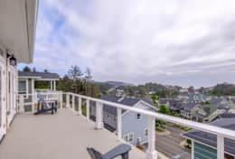 Panoramic ocean views from the top level deck. Sit back and enjoy the Oregon Coast!