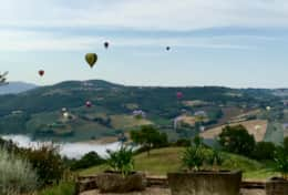 Balloons passing by at Villa Collazone