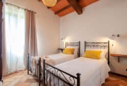 Villa La Ginestra, first floor twin bedroom