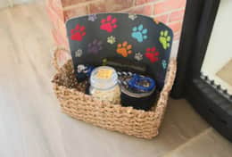 ....theres even a doggy welcome basket!!