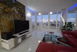 Living room, Roku streaming tv, Incredible views of downtown Miami skyline from entire condo