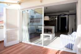 Exit to the terrace apartment Velero Sitges
