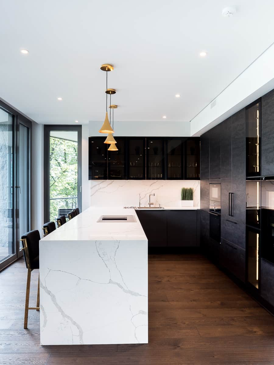 The-Klive-Riga-Kitchen-Design-Wood-Glass-Stone