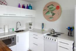 #35 Sleek Gloss White Kitchen